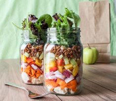 So. Tasty. Chopped salad to go in a mason jar. And so pretty!  [Photo: Angela Simpson/Eat Spin Run Repeat] #recipes #masonjar #reusables