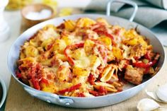 Spanish Tuna Pasta Bake - For a quick and easy meal for the whole family, try this tasty tuna pasta bake. Baked Pasta Recipes, Tuna Recipes, Salmon Recipes, Baking Recipes, Easter Recipes, Mince Pasta Bake, Tuna Pasta Bake, Skinny Pasta, Paella