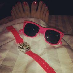 喜歡一系列 emojiemoji #pinkcolor #sunglasses #May28thwatch #OPInailpolish via @pwkeey
