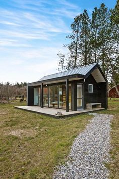 The Best Modern Tiny House Design Small Homes Inspirations No 81 Design Interior Small House Modern Tiny House, Tiny House Cabin, Tiny House Living, Tiny House Design, Cabin Design, Cottage House, Tiny House With Loft, Small Log Cabin, Small Cabins
