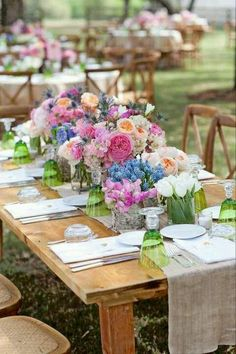 Lush Floral Spring Table !