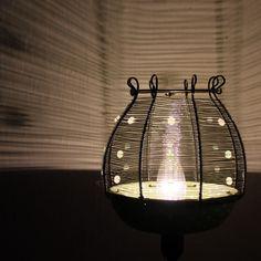 Zelené puntíky lampička...