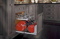 The 7 Most Efficient Kitchen Cabinet Organizers