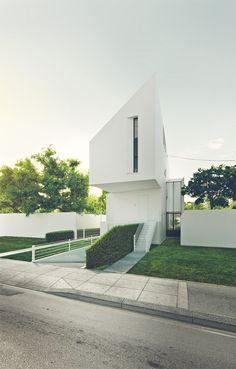 p_s_h: dwelling house/742