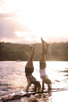 best friend photoshoot beach