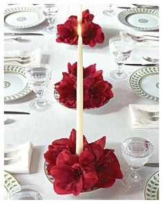 formal Christmas table setting