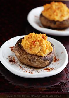 Portabellas Stuffed with Red Pepper Hummus...seriously - these are lovely!    I wish my hubby liked mushrooms...