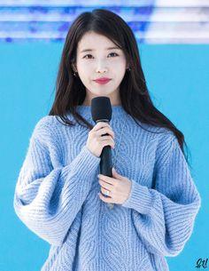 Rainbow Aesthetic, Aesthetic Pictures, Korean Singer, Cute, Beautiful, Asia, Girls, Fashion, Toddler Girls