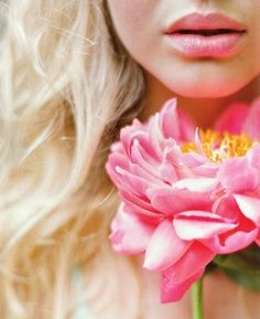 Image discovered by coco. Find images and videos about girl, pink and flowers on We Heart It - the app to get lost in what you love. My Flower, Flower Power, Flower Blossom, Miracle Woman, I Believe In Pink, Bouquet, Everything Pink, Pink Lips, Pink Yellow