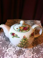 ROYAL ALBERT FINE CHINA OLD COUNTRY ROSES LARGE TEA POT  HOLIDAY CLASSIC COLLECT