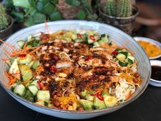 Thaise noedelsalade met pittige kip – Familie over de kook Thai noodle salad with spicy chicken – Family over the boil Quick Healthy Meals, Healthy Diet Recipes, Cooking Recipes, I Love Food, Good Food, Thai Noodle Salad, Asian Kitchen, Asian Recipes, Croque Monsieur