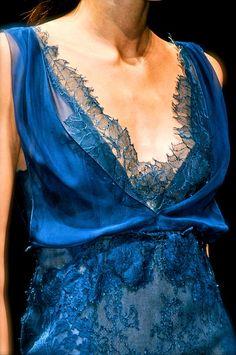 notordinaryfashion:    chiffonandribbons:    Alberta Ferretti S/S 2013    So beautiful