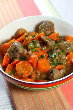 Boeuf carottes – Famous Last Words Meat Recipes, Crockpot Recipes, Cooking Recipes, Healthy Recipes, Homemade Beef Broth, Beef Bourguignon, Quick Easy Meals, Food Inspiration, Good Food