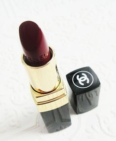 Lipstick makes everything better. | More lusciousness here: http://mylusciouslife.com/photo-galleries/health-and-beauty/