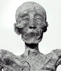 Look how preserved this thing is! The Egyptians knew how to do it! Bog Body, Egypt Mummy, Ancient Egypt History, Egyptian Mummies, Egyptian Mythology, After Life, Grim Reaper, Ancient Artifacts, African American History