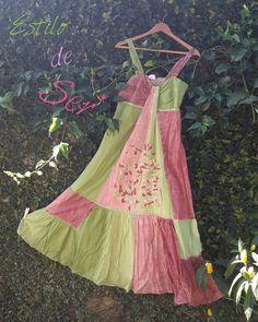 Vestido indiano de alça verde e rosa bordado