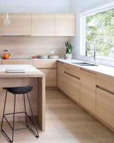 Interior design kitchen 32 Stunning Modern Contemporary Kitchen Cabinet Design How to Choose a Bean Apartment Kitchen, Home Decor Kitchen, New Kitchen, Home Kitchens, Kitchen Ideas, Awesome Kitchen, Kitchen Modern, Kitchen Island, Wooden Kitchen