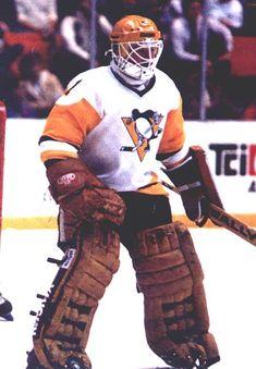Pat Riggin Pittsburgh Penguins Goalies, Pittsburgh Sports, Hockey Goalie, Hockey Games, Nhl, Jim Craig, Penguins Players, Pens Hockey, Hockey Room
