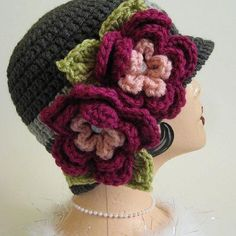Crochet Vintage Style Cloche Flapper Hat in Gray with Magenta Flowers - Made to Order - Great Photo Prop or Gift. via Etsy. Crochet Cap, Crochet Beanie, Crochet Motif, Crochet Flowers, Knitted Hats, Crochet Crafts, Crochet Projects, Sombrero A Crochet, Knitting Patterns