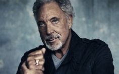 Tom Jones will play a Sunday-headlining slot at the Bluesfest 2012.