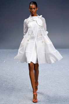 Sacai - Spring 2012 Ready-to-Wear - Look 1 of 31
