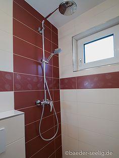 Badideen für kleine Bäder - BÄDER SEELIG Mini Bad, Bathroom Lighting, Bathtub, Mirror, Furniture, Home Decor, Tiny Bathrooms, Small Baths, Guest Toilet