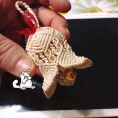 Макраме: идеи со всего света... Crochet Butterfly Free Pattern, Crochet Leaf Patterns, Crochet Doilies, Rope Crafts, Yarn Crafts, Diy And Crafts, Arts And Crafts, Christmas Yarn, Christmas Crafts