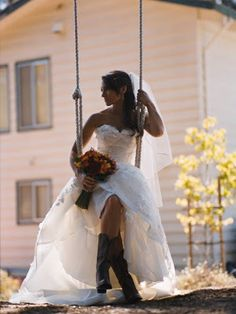 Country Bride on a Tree Swing :) Like the photo!