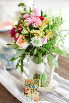 Bright boho flowers! COLOURFUL BOHO-INDUSTRIAL WEDDING THEME  www.elegantwedding.ca