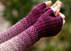 Ravelry: GraceIvy's Transition Gloves