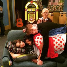 """Ross is just in the background like """"wtf"""" XD"""