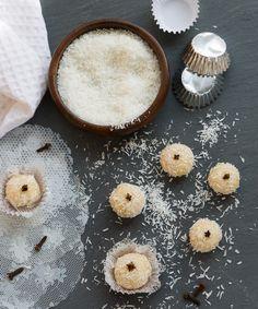 Molly Mell: Coconut Candies - Beijinho