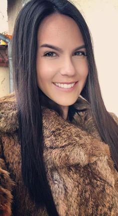 Fur Coats, Rabbit Fur, Long Hair Styles, Face, Jackets, Beauty, Down Jackets, Long Hairstyle, Fur Coat