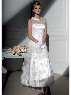 Elegant White Net Round Neck A-line Mini Wedding Dress