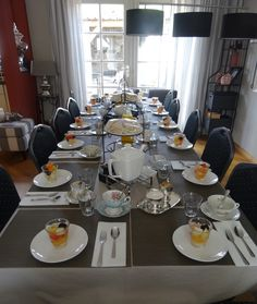 Tante Cornelia's Tea voor 14 dames in Medemblik