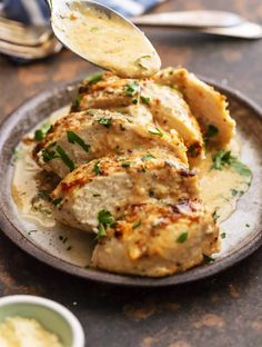Caesar Chicken is the ideal melt in your mouth recipe! It is creamy, easy, and full of flavor. This simple chicken recipe just includes 4 Ingredients and requires less than half an hour. Healthy Dinner Recipes, Cooking Recipes, Cooking Time, Keto Recipes, Health Dinner, Best Chicken Recipes, Baked Chicken, Cashew Chicken, Healthy Chicken