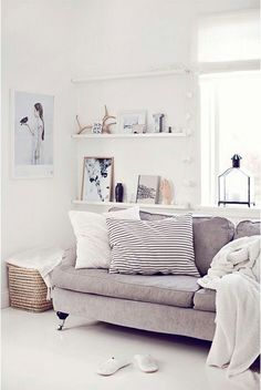 liViNG aREA : gRAY, wHiTE & bEiGE