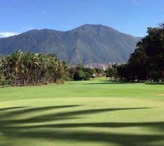 Mi Avila visto desde el Club Valle Arriba. CARACAS . VENEZUELA . Mi país amado