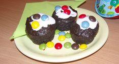 Smarties muffin - Sütemény gyerekeknek Muffins, Pudding, Cupcakes, Food, Muffin, Puddings, Cupcake, Meals, Cupcake Cakes