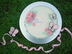 Dåpskake i pasteller med sommerfugler {Bakemagi. Butterfly, Plates, Tableware, Cake, Pink, Licence Plates, Dishes, Dinnerware, Griddles