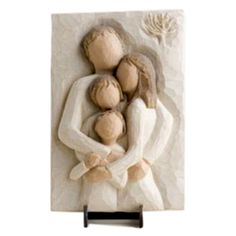 Buy your Willow Tree Family Plaque at the Internet Gift Store today. This Willow Tree Family Plaque is handcrafted and hand-painted. Willow Tree Engel, Willow Tree Art, Family Sculpture, Sculpture Clay, Sculptures, Willow Tree Familie, Willow Tree Figuren, Willow Figurines, Tree People