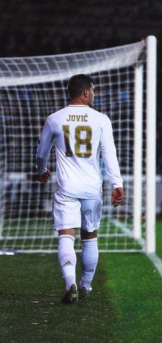 Varane Real Madrid, Real Madrid Players, Football Boys, Football Players, Real Madrid Wallpapers, Dope Wallpapers, Fifa, Champions, Superstar