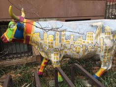 This is what a NYC cow looks like! Spotted in the East Village by agent Maheen Perveiz. Nyc Art, East Village, Real Estate Companies, Cow, Street Art, New York, New York City, Nyc