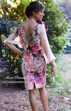 EL PASO 490€ Flowery Dresses, Simple Dresses, Elegant Dresses, Pretty Dresses, Beautiful Dresses, Dresses With Sleeves, Fashion Themes, Fashion Dresses, Birthday Outfit For Women