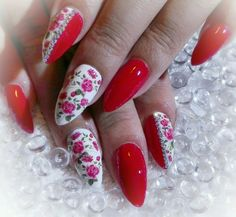 Red Roses nails