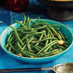 Green Beans with Garlic | Sauté fresh garlic to jazz up this simple yet delicious green side dish. #Thanksgiving