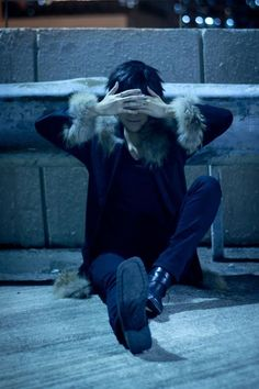 Orihara Izaya<<<< someone get me that cosplayers number so I can marry him...(or just tell him he's awesome)