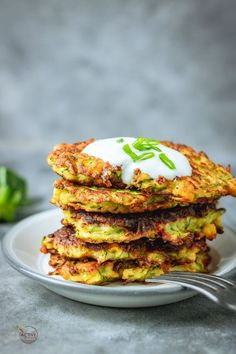 Courgette and Sweetcorn Fritters - My Active Kitchen These crispy courgette and sweetcorn fritters are quick and easy to make. Perfect breakfast, brunch or appetiser and are delicious. Sweetcorn Fritters Recipe, Sweetcorn Bake, Chicken And Sweetcorn Soup, Broccoli Fritters, Hot Dog Recipes, Coffee Recipes, Soup Recipes, Cooking Recipes, Curry Recipes