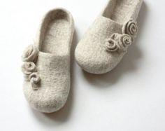 Bridesmaid Slippers, Wedding Slippers, Wool Shoes, Felt Shoes, Felted Wool Slippers, Great Mothers Day Gifts, Rose Gift, Wet Felting, Felt Art