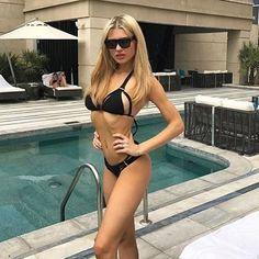 Babes x art bikini